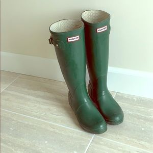 Original Tall Hunter Boots in gorgeous green